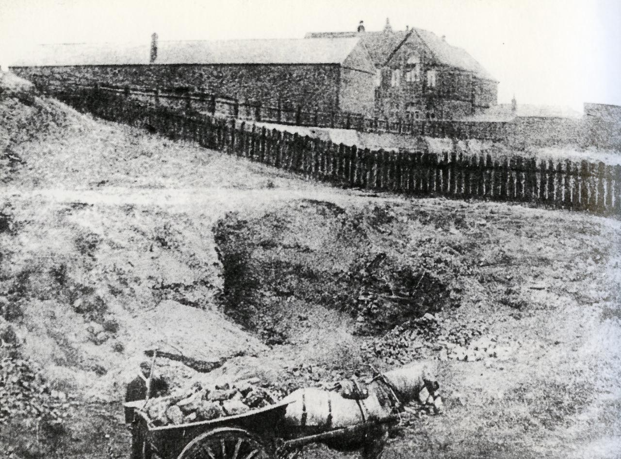 Lethbridge Road School and Swindon Quarry 1908