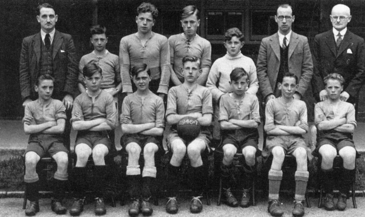 Commonweal Road, Commonweal School, U14 football team, 1946-7