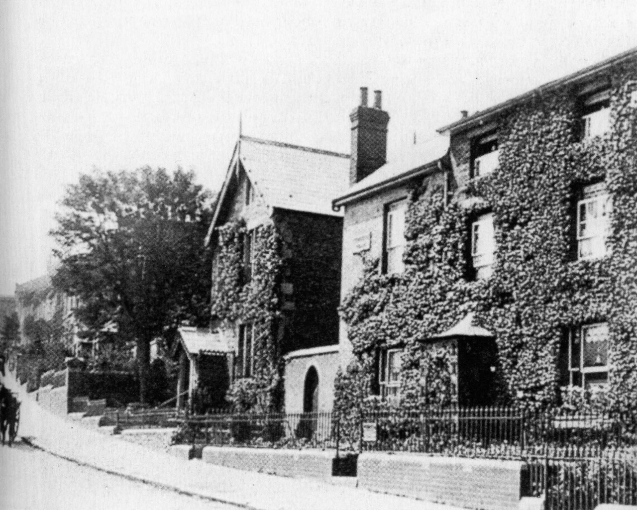 Belle Vue Road, Standish Villa, 1910